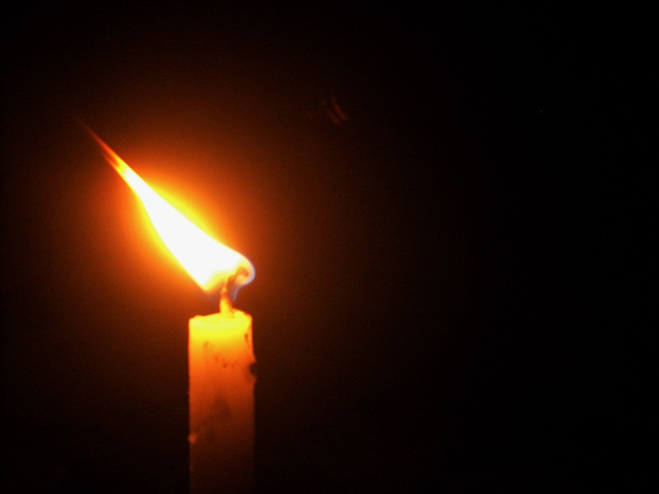 Candle_light_മെഴുകുതിരി_നാളം (2)