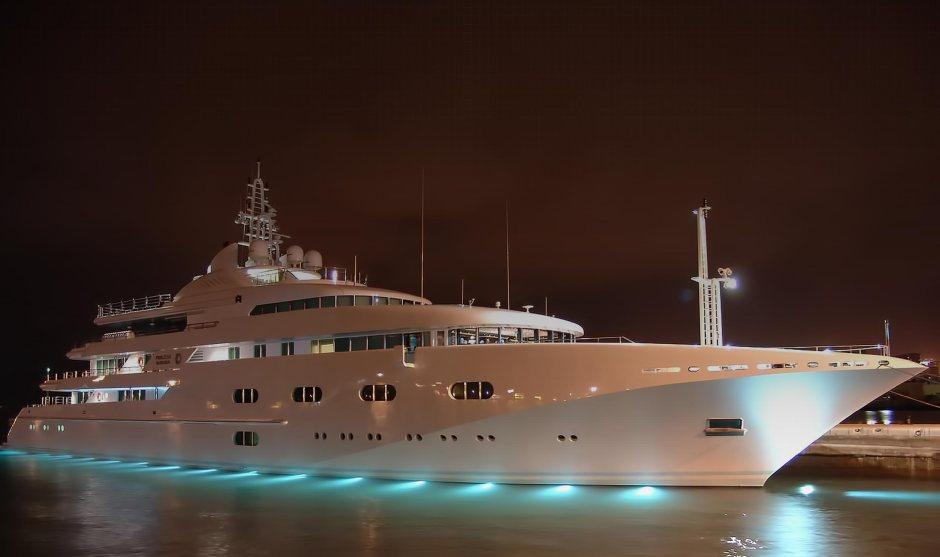 background-mega-yachts-3